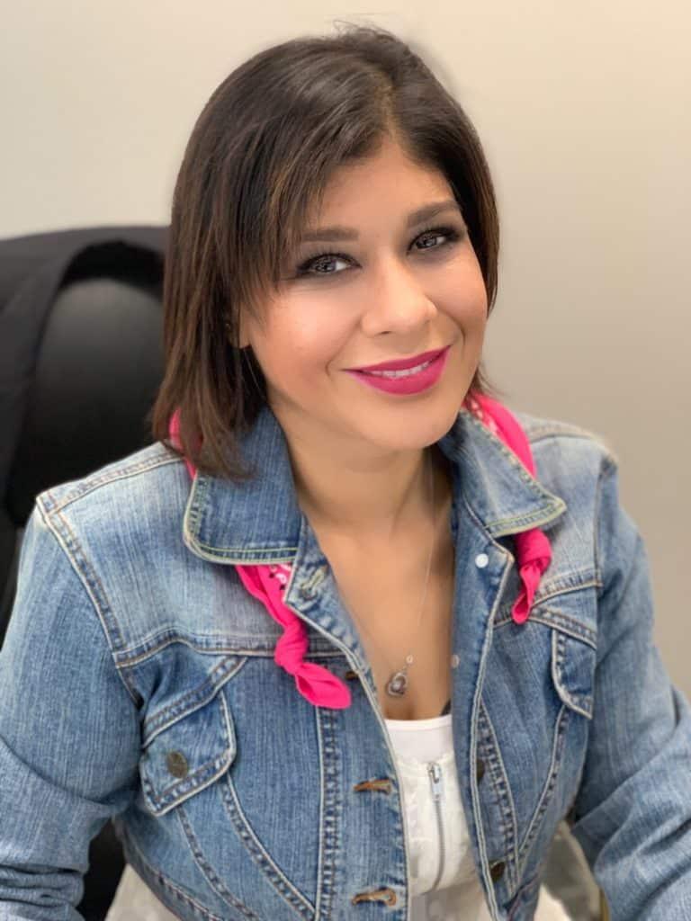 Leticia Quinones, Office Coordinator