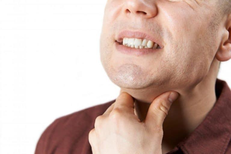 wisdom teeth sore throat