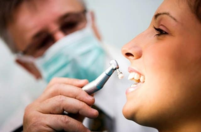 choosing the best dentist in houston