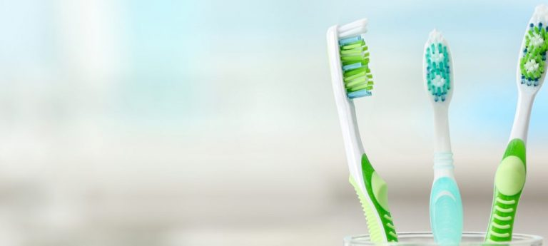 gentle brushing after wisdom teeth extractions