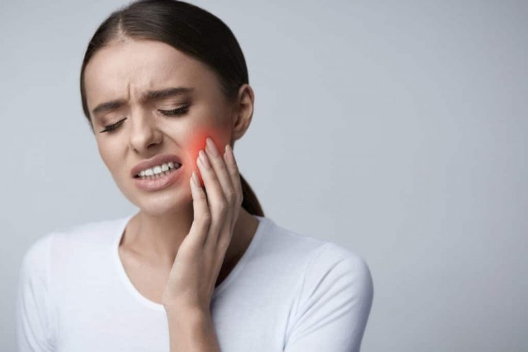 How to get rid of a toothache at night